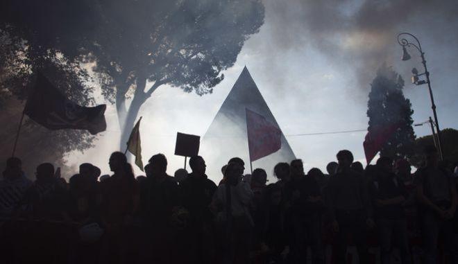 Διαδηλωτές στην Ιταλία - Φωτογραφία αρχείου