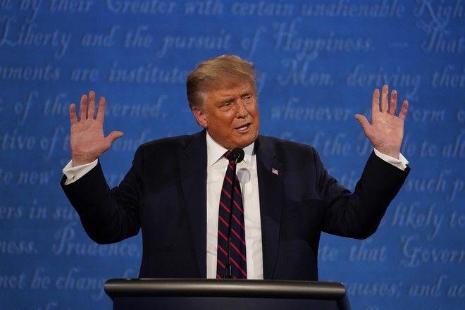 Ο πρόεδρος των ΗΠΑ, Ντόναλντ Τραμπ, στο πρώτο debate, απέναντι στον υποψήφιο των Δημοκρατικών, Τζο Μπάιντεν