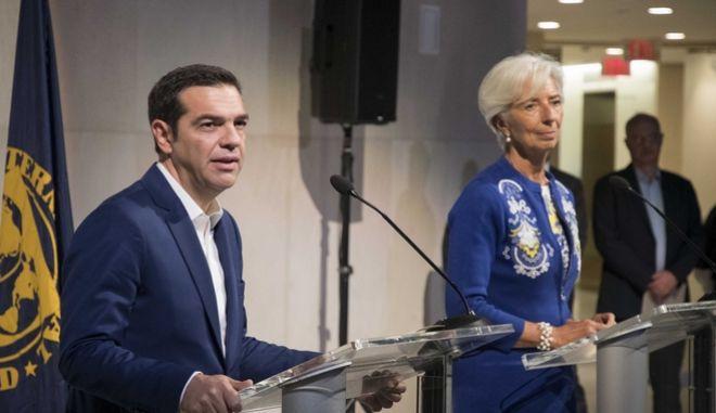 Συνάντηση του Πρωθυπουργού Αλέξη Τσίπρα με την Γενική Διευθύντρια του ΔΝΤ, Κριστίν Λαγκάρντ την Δευτέρα 16 Οκτωβρίου 2017, στην Ουάσινγκτον. (EUROKINISSI/ΓΡΑΦΕΙΟ ΤΥΠΟΥ ΠΡΩΘΥΠΟΥΡΓΟΥ/ANDREA BONETTI)