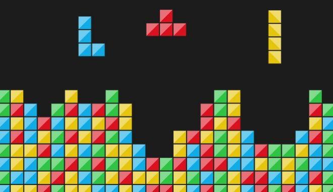 Το Tetris ήταν ο διασκεδαστικός τρόπος που έφτιαξε ο Alexey Pajitnov, για να κάνει μια βαρετή δουλειά. Έγινε εμμονή, πολιτιστικό φαινόμενο και σύνδρομο.