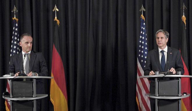 Οι Άντονι Μπλίνκεν και Χάικο Μάας σε συνέντευξη Τύπου μετά την συνάντησή τους στην αεροπορική βάση του Ραμστάιν στη Γερμανία