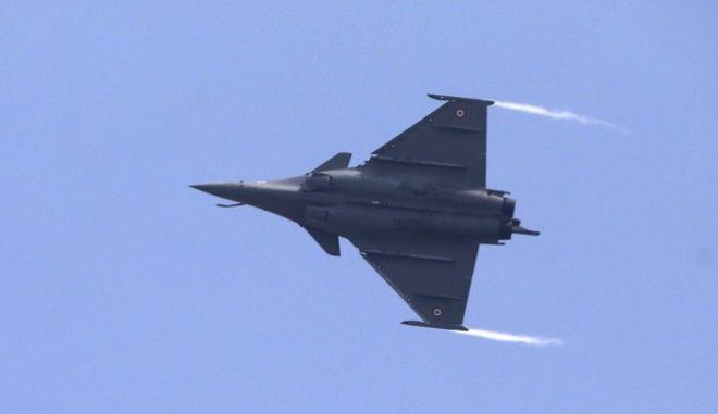 Γαλλία: To Rafale έσπασε το φράγμα του ήχου για να βοηθήσει άλλο αεροσκάφος