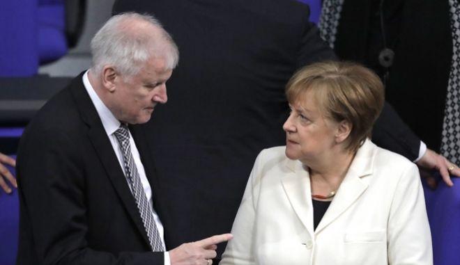 Ο Χορστ Ζεεχόφερ και η Άνγκελα Μέρκελ