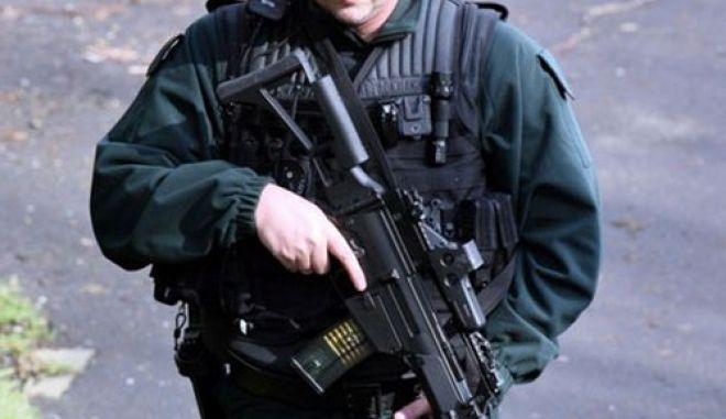 Αστυνομικοί ακατάλληλοι να οπλοφορούν
