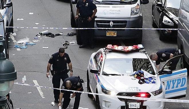 Τρόμος στο Μανχάταν: Αστυνομικοί πυροβόλησαν 18 φορές άνδρα που κρατούσε μαχαίρι
