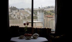 Στη Βηθλεέμ και πάλι ο Banksy