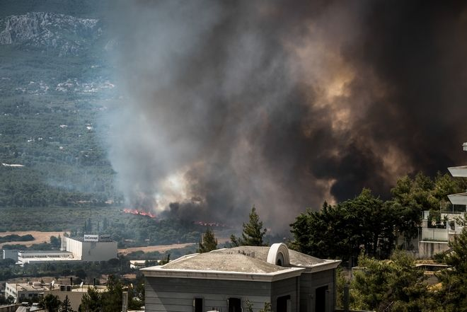 Φωτιά στην Βαρυμπόμπη 4 Αυγούστου