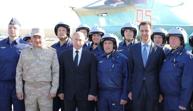Άσαντ και Πούτιν στη ρωσική βάση στη Συρία