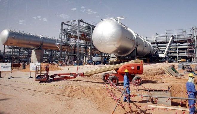 Επτά 'τρελά' νούμερα για τη μεγαλύτερη εταιρεία πετρελαίου στον κόσμο