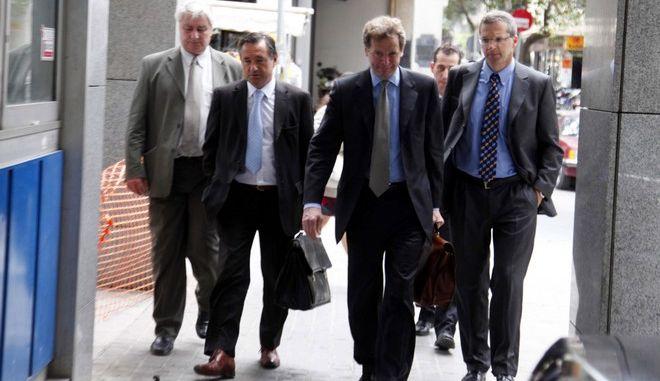 Ομάδα εκπροσώπων της Ευρωπαϊκής Επιτροπής, της Ευρωπαϊκής Κεντρικής Τράπεζας (ΕΚΤ) και του Διεθνούς Νομισματικού Ταμείου (ΔΝΤ) προσέρχονται για διαβουλεύσεις με τον Υπουργό Οικονομικών, Γιώργο Παπακωνσταντίνου, με θέμα τις λεπτομέρειες του μηχανισμού δανειακής στήριξης της Ελλάδας. (EUROKINISSI // ΒΑΪΟΣ ΧΑΣΙΑΛΗΣ)