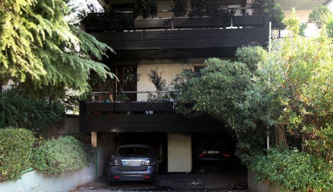 ΑΘΗΝΑ-Πυρκαγιά σε πυλωτή πολυκατοικίας στην οδό Ρήγα Γκόλφη 8 στο Π. Ψυχικό. Από την πυρκαγιά προκλήθηκαν σημαντικές υλικές ζημιές σε αυτοκίνητα.(EUROKINISSI-ΓΕΩΡΓΙΑ ΠΑΠΑΓΟΠΟΥΛΟΥ)