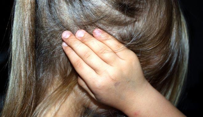 Φρίκη στην Κρήτη: Εμπιστεύτηκαν το παιδί τους σε φίλο κι εκείνος το βίαζε κατ' εξακολούθηση