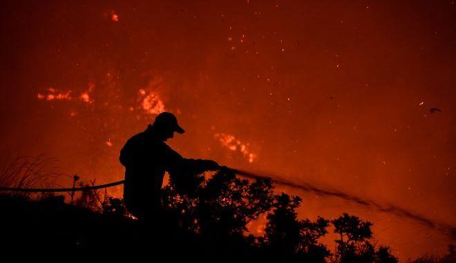 Εικόνα αρχείου από φωτιά