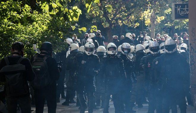 Αστυνομική επιχείρηση εκκενωσης της πλατείας Εξαρχείων ανήμερα της επετείου δολοφονίας του Αλέξη Γρηγορόπουλου