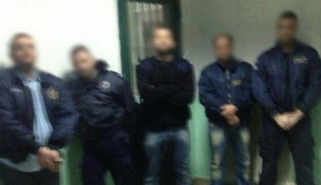 Φωτογραφίες μέσα από τη φυλακή: Οι όμηροι του Αλκέτ Ριζάι