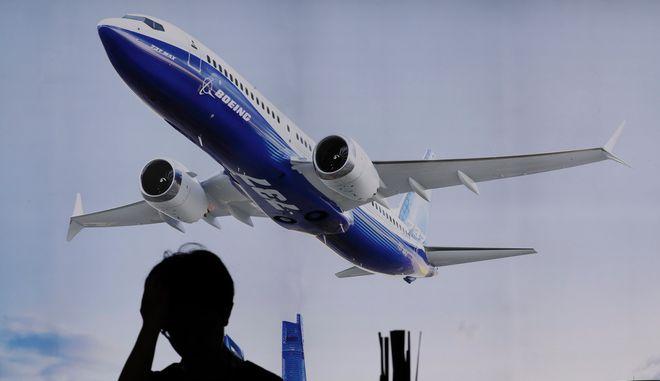 Αεροπλάνο της Boeing. (AP Photo/Kin Cheung)