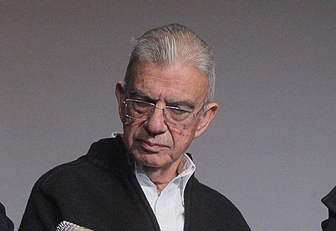 Ο συγγραφέας Μένης Κουμανταρέας