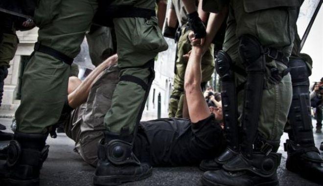 Στην έβδομη θέση στις περισσότερες καταγεγραμμένες παραβιάσεις ανθρωπίνων δικαιωμάτων βρίσκεται η Ελλάδα