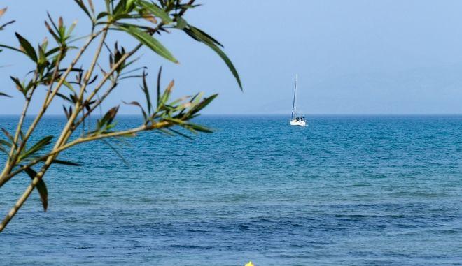 Εικόνα από την παραλία Ρόδα στη Κέρκυρα