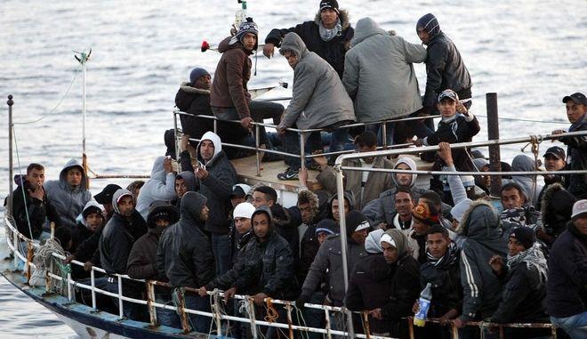 Περισσότεροι από 4.200 μετανάστες διασώθηκαν στη Μεσόγειο το τελευταίο 24ωρο