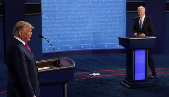 Τζο Μπάιντεν και Ντόναλντ Τραμπ στο δεύτερο debate τους, λίγο πριν τις Αμερικανικές εκλογές
