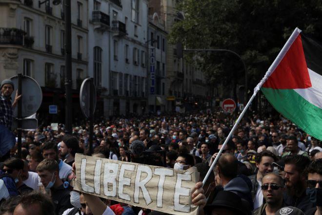 Διαδηλώσεις στη Γαλλία κατά του πιστοποιητικού υγείας