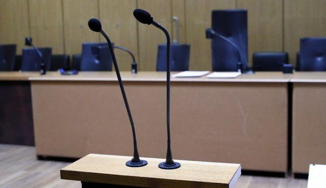 Γαλλία: Εκδόθηκε στην Αργεντινή πρώην αστυνομικός, ύποπτος για 500  βασανισμούς και φόνους