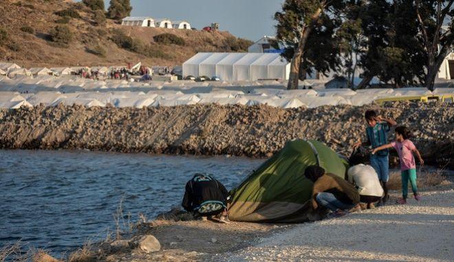 Καταυλισμός φιλοξενίας προσφύγων και μεταναστών στο Καρά Τεπέ