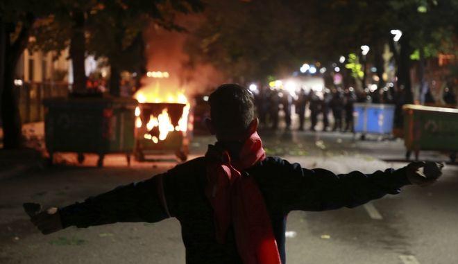 Από τα βίαια επεισόδια στα Τίρανα