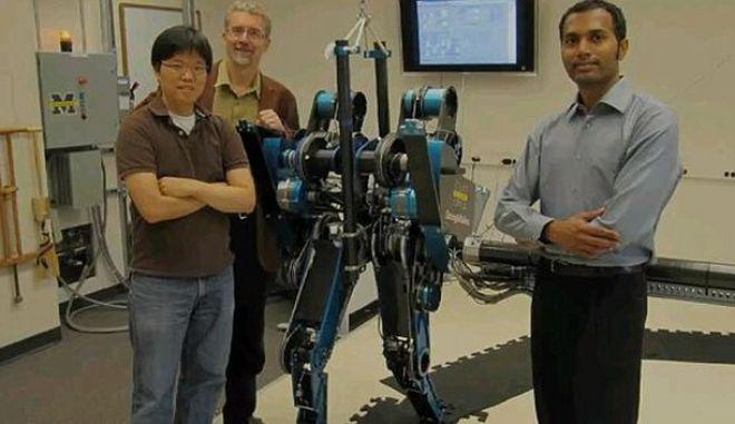 Ρομπότ τρέχει σαν άνθρωπος