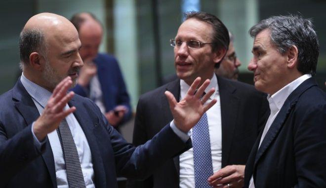Μοσκοβισί και Τσακαλώτος στη συνεδρίαση του Eurogroup