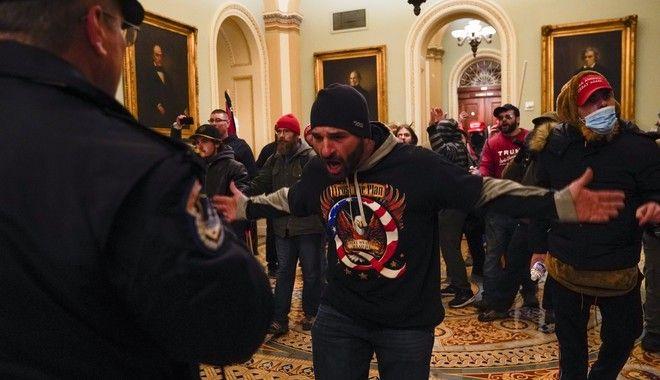 Οπαδοί του Τραμπ έχουν εισβάλει στο Καπιτώλιο