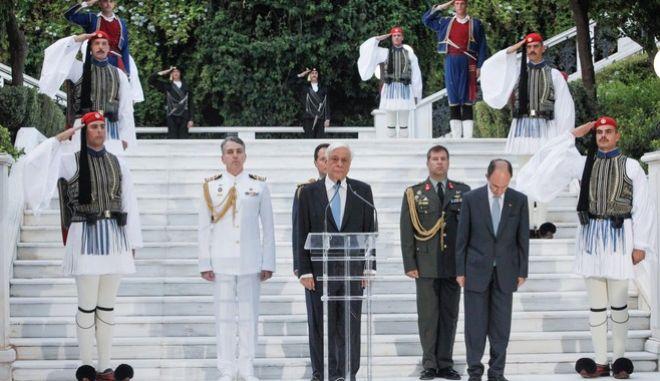 Δεξίωση με την ευκαιρία της 43ης επετείου αποκατάστασης της Δημοκρατίας παρέθεσε ο Πρόεδρος της Δημοκρατίας Προκόπης Παυλόπουλος σήμερα στο Προεδρικό Μέγαρο. Δευτέρα, 24 Ιουλίου 2017 (EUROKINISSI / ΓΙΩΡΓΟΣ ΚΟΝΤΑΡΙΝΗΣ)