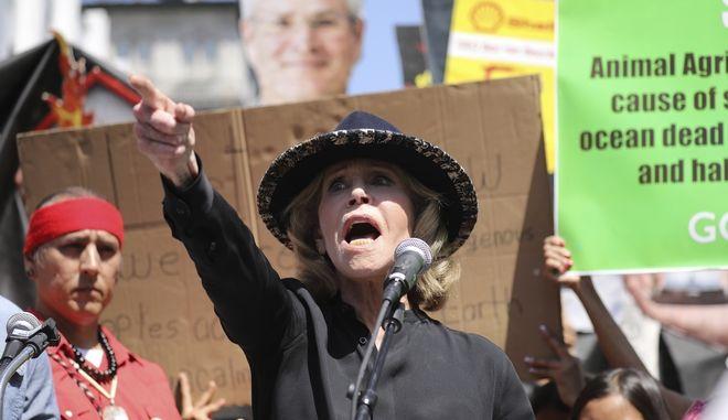 Η Αμερικανίδα ηθοποιός Τζέιν Φόντα σε διαμαρτυρία για το κλίμα στο Λος Άντζελες τον Σεπτέμβριο του 2019
