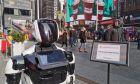 Ρομπότ δίνει πληροφορίες για τον κοροναϊό
