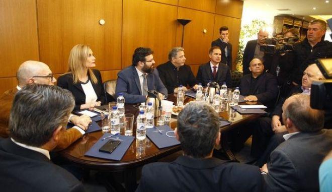 Ο Γιώργος Βασιλειάδης στη συνάντηση που είχε με τους εκπροσώπους των ομάδων