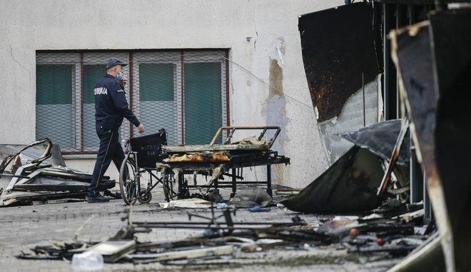 Φωτιά σε προκάτ μονάδα κορονοϊού στη Βόρεια Μακεδονία