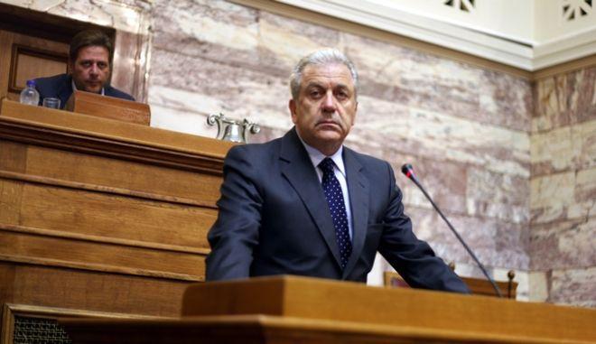 ΑΘΗΝΑ-ΒΟΥΛΗ-Ενημέρωση της Επιτροπής Αμυνας και Εξωτερικών από τον υπουργό Δ. Αβραμόπουλο. .(EUROKINISSI-ΓΙΩΡΓΟΣ ΚΟΝΤΑΡΙΝΗΣ)