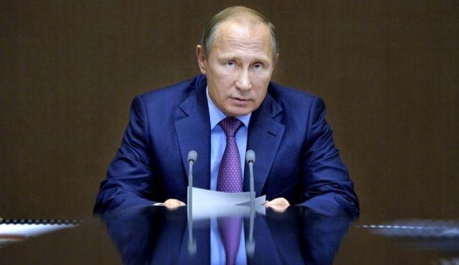 Οργή Πούτιν για την επίθεση Τραμπ στη Συρία