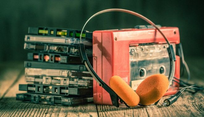 To Walkman ήταν απαίτηση ενός εκ των ιδρυτών της Sony που ήθελε μια ελαφριά συσκευή, για να ακούει μουσική στα ταξίδια του. Δημιούργησε νέα αγορά και άλλαξε 'βιομηχανίες'.