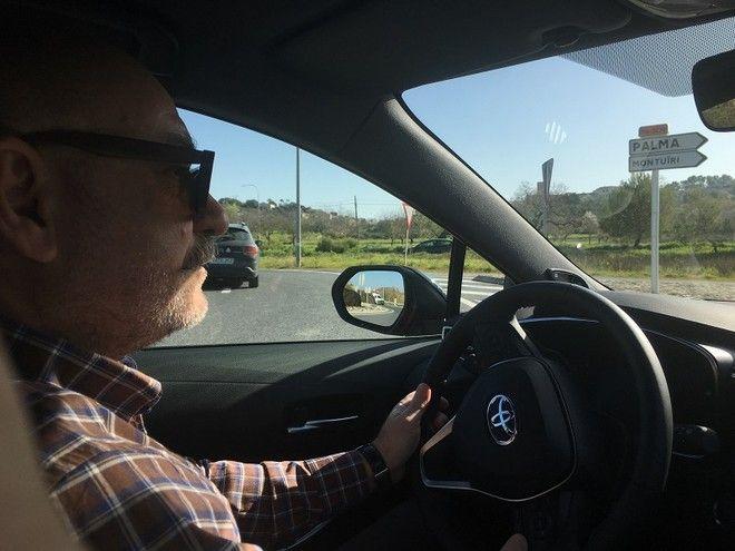 Οδηγούμε την ολοκαίνουργια Toyota Corolla