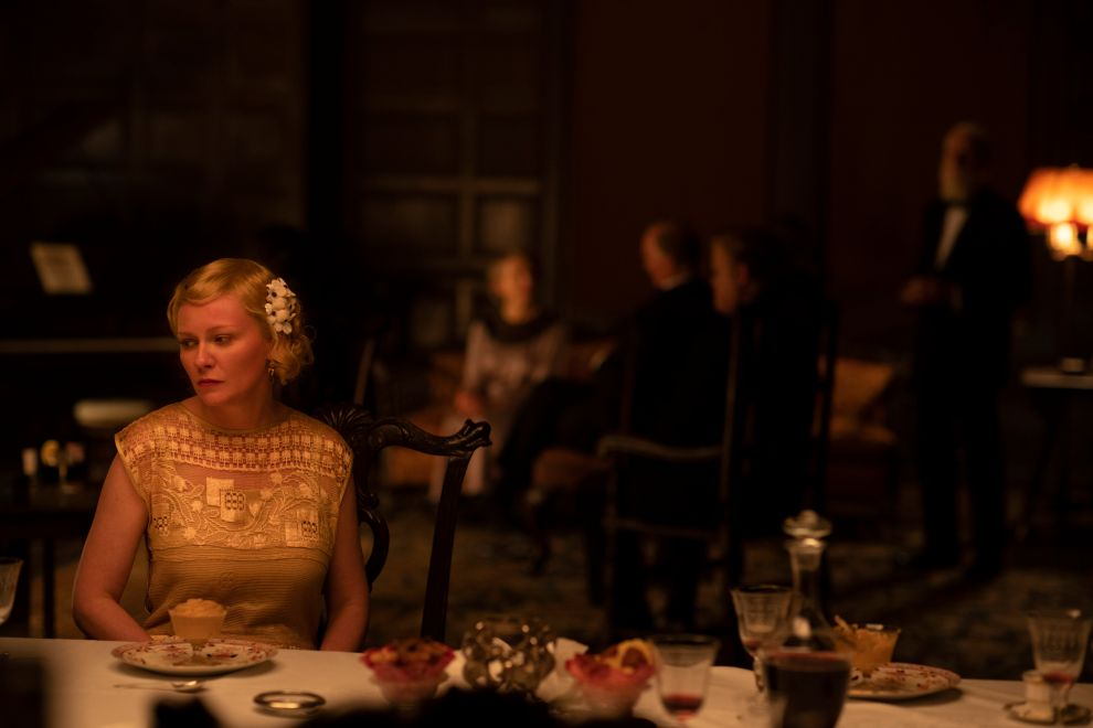 THE POWER OF THE DOG : KIRSTEN DUNST as ROSE GORDON in THE POWER OF THE DOG. Cr. KIRSTY GRIFFIN/NETFLIX © 2021