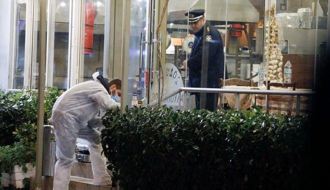Η ταβέρνα στη Βάρη όπου ένοπλοι σκότωσαν δύο άνδρες