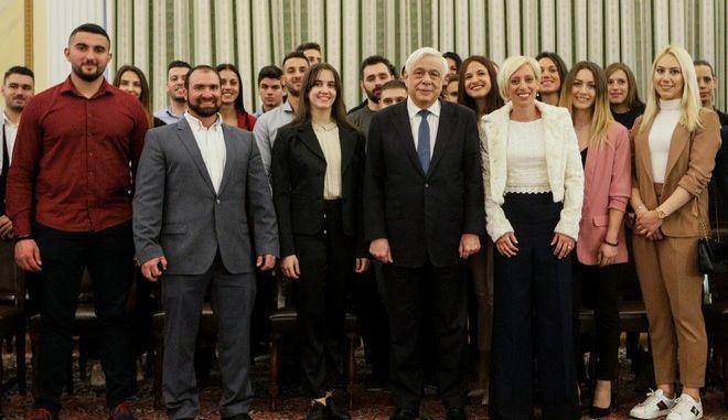Συνάντηση του Προέδρου της Δημοκρατίας, Προκόπη Παυλόπουλου με εκπροσώπους του Ιδρύματος Λεβέντη και αθλητές που έχουν λάβει Ολυμπιακές Υποτροφίες προετοιμασίας από το Ίδρυμα