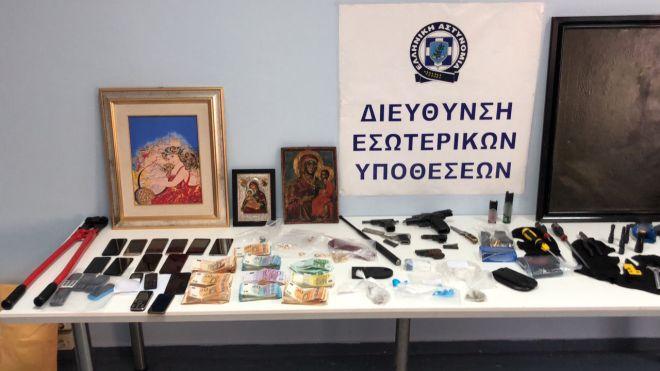 Αστυνομικός που υπηρετούσε στο Οργανωμένο Έγκλημα μέλος του κυκλώματος κοκαΐνης