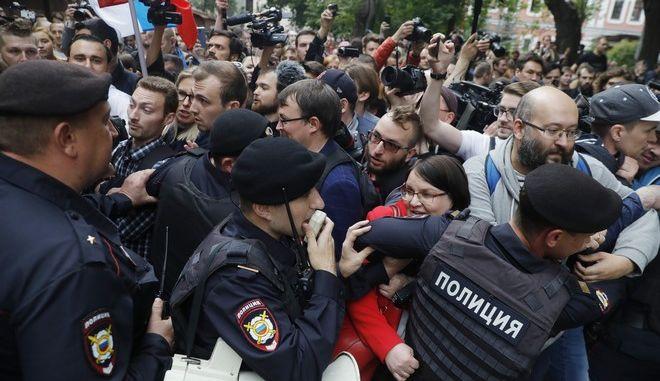 Εικόνα από την διαδήλωση αντιπολιτευόμενων στη Μόσχα