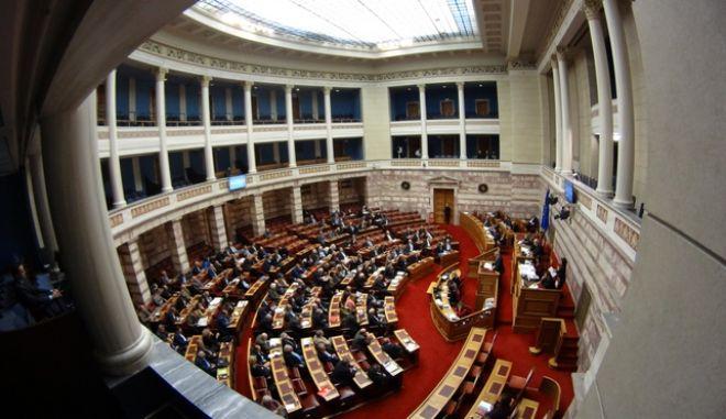 Πρώτη ημέρα συζήτησης για τον προϋπολογισμό του 2017 στην Βουλή, την Τρίτη 6 Δεκεμβρίου 2016. (EUROKINISSI/ΓΙΩΡΓΟΣ ΚΟΝΤΑΡΙΝΗΣ)