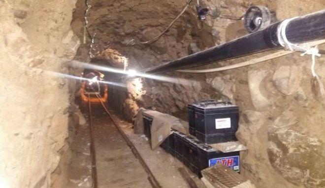 Στα άδυτα του τούνελ μεταφοράς ναρκωτικών της Σιναλόα