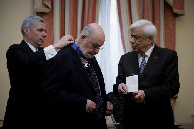 Απονομή Παράσημου του Ταξιάρχη του Τάγματος της Τιμής στον Κωνσταντίνο Γεωργουσόπουλο.