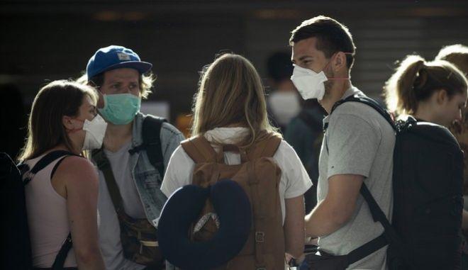 Γερμανοί αναμένουν την πτήση τους από Αργεντινή για Γερμανία
